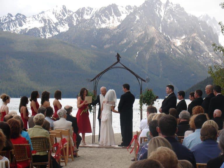 Wedding Disc Jockey Services