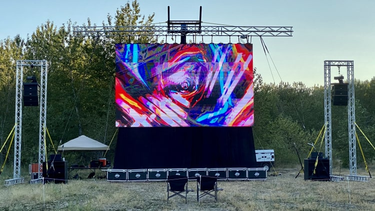 29'x17' LED Video Wall w/ Boom Forklift and Video Tech